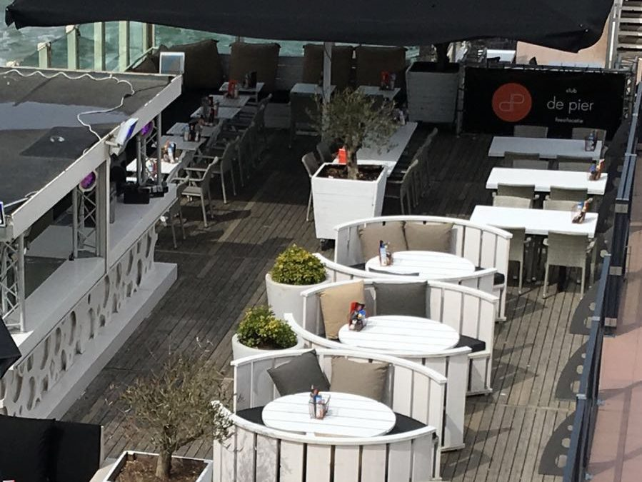 Club De Pier terras-upgrade
