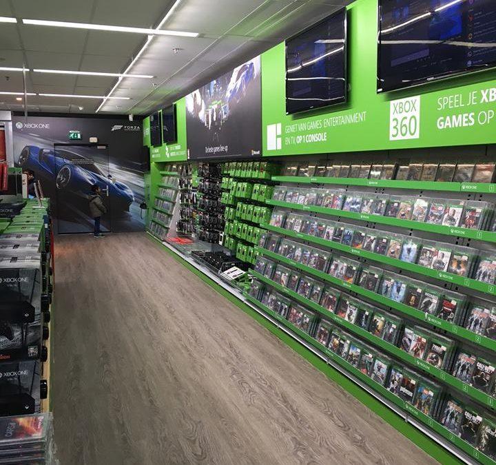 Xbox corner in Media Markt, een plezier voor de gamer.