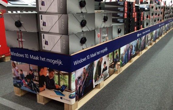 Windows 10 branding instore