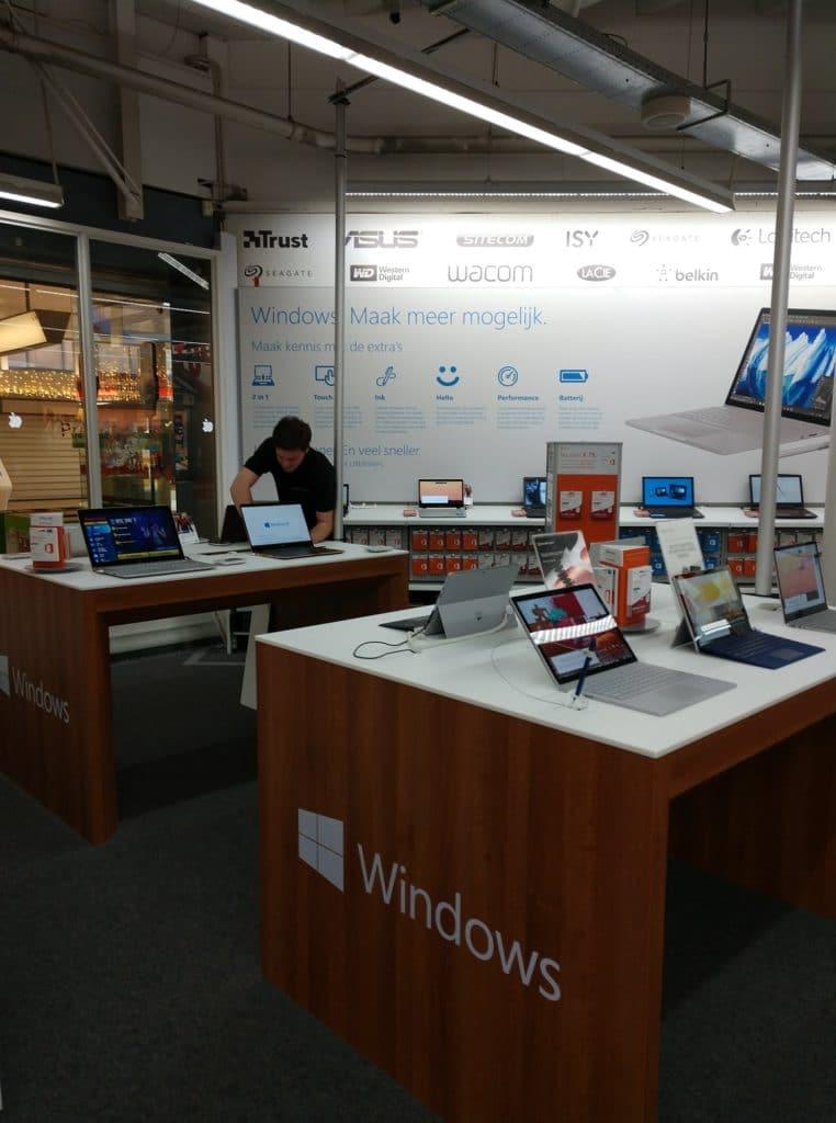 Windows shop in shop